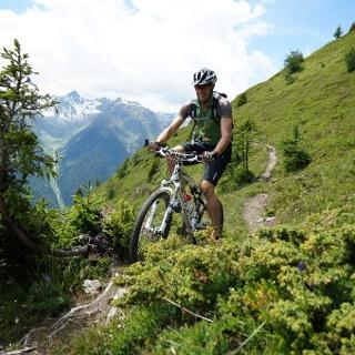 Zwischen Alp Murtera Dadoura und Alp Sura