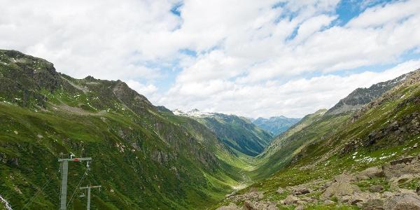 Blick von der Tübinger Hütte talauswärts