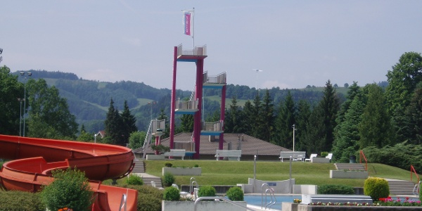 Parkbad Wilhelmsburg (Copyright: zVg Gemeinde Wilhelmsburg)