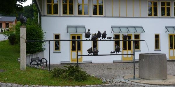 Dorfbrunnen am Rathausplatz in Julbach