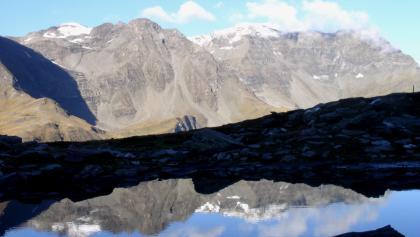 Spiegelung im See um 2290m beim Anstieg