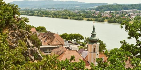 Blick auf Marbach und auf Donau