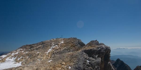 Unschwierig über Blockgestein zum Gipfel