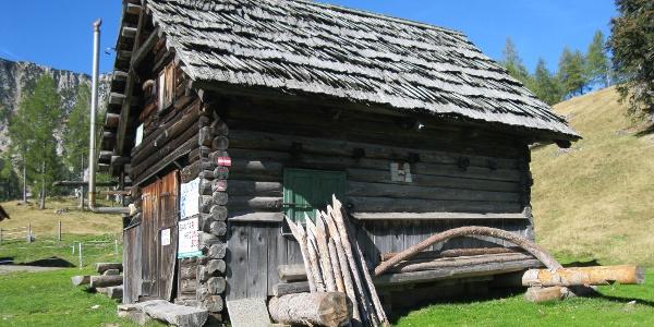 Eine Halterhütte der Ogrisalm