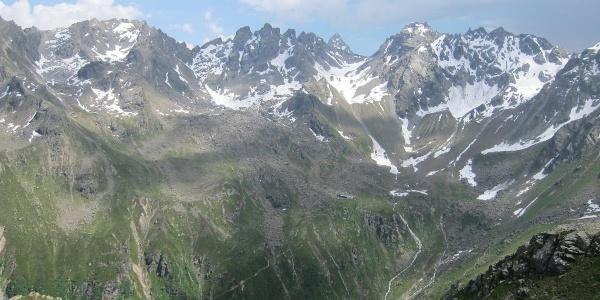 Tübinger Hütte vom Mittelberg-Joch aus