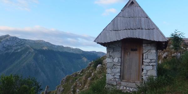 Kleine Kapelle am Ortsrand