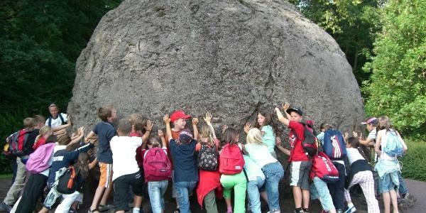 Die Lavabombe im Vulkanhaus Strohn