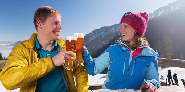 Schneeschuhwanderung von Unterammergau nach Oberammergau - Weißwurst und Bier auf der Kolbensattelhütte
