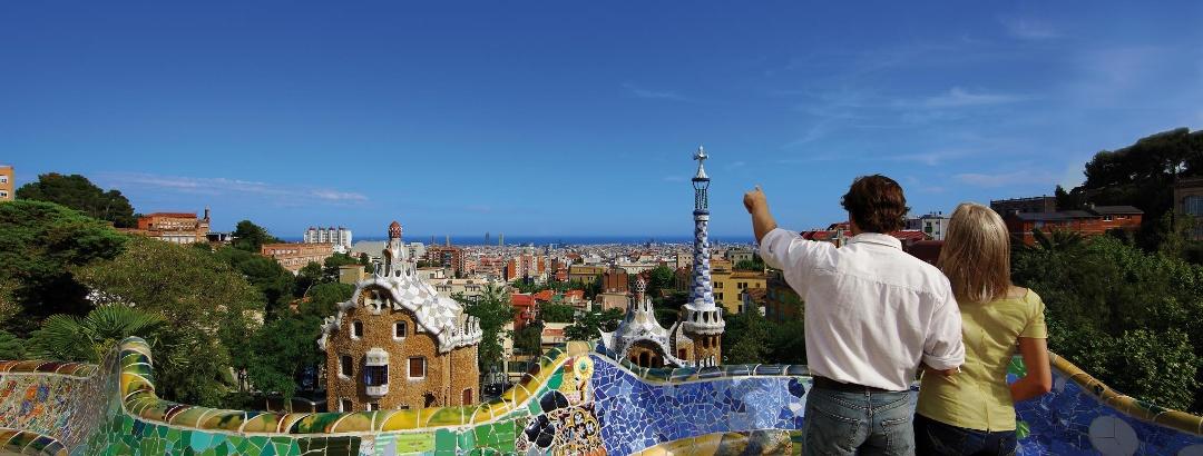 Blick vom Park Güell über die Stadt Barcelona