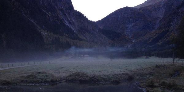 Nebelbedeckter Zemmgrund