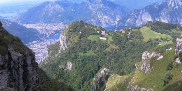 Tiefblick zum Pizzo d'Erna und nach Lecco