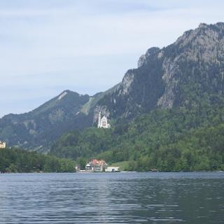 Schloss Hohenschwangau und der Alpsee
