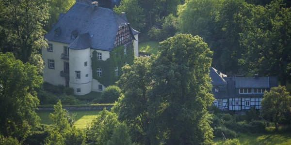 Schloss in Bruchhausen am Rothaarsteig ( Foto Kappest)
