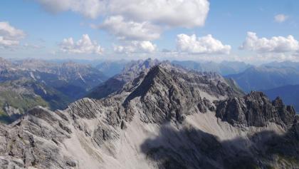Blick auf die Marchspitze vom Großen Krottenkopf