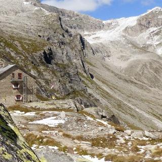 Die Richterhütte in den Zillertaler Alpen.