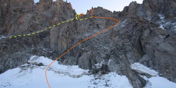 Orange unserer Route - Gelb die Originalroute durch die Rinne oder später in die Rinne queren
