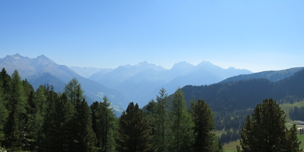 Blick zum Naturpark Riesenferner-Ahrn.