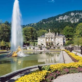 Wanderung - Durchs Graswangtal zum Königsschloss - Schlossgarten Linderhof
