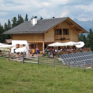 Lieg hut