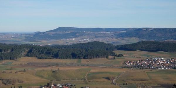 Blick vom Lupfen über Durchhausen zum Lemberg