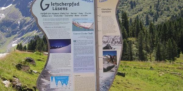 Infotafel vom Gletscher Lehrpfad im Lüsenstal