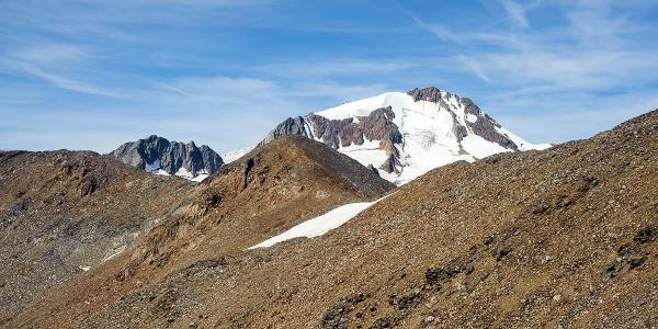 Blick auf die Weißkugel (3.738m)  vom ersten Plateau
