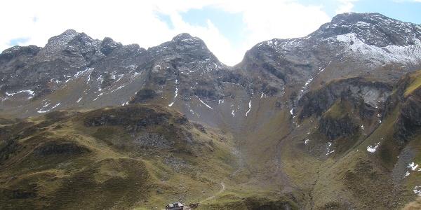 Keinprechthütte (1.872 m) aus Steinbockperspektive (03.10.2015)