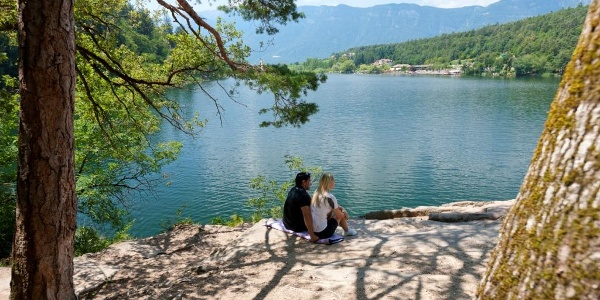 Blick auf den großen Montiggler See