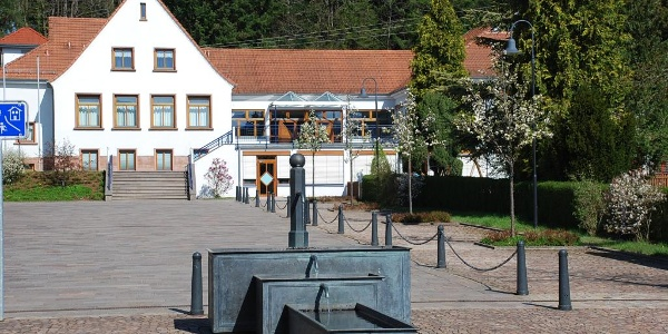 Startpunkt und Dorfplatz von Ludwigswinkel