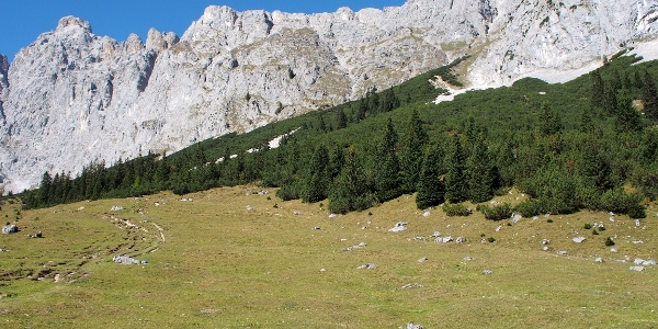 Puitalm am Weg zum Söllerpass