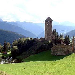 Strassberg ruin Novale Ried