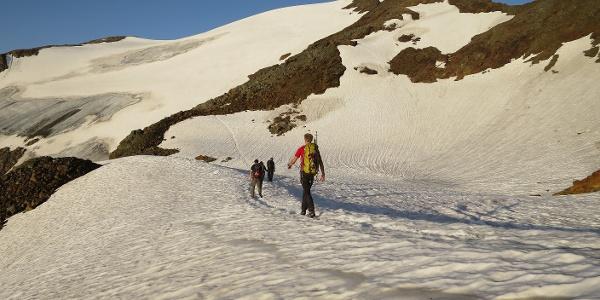 Auf ca. 2900 m, links der Grüblferner (in den Stubaier Alpen werden Gletscher als Ferner bezeichnet).