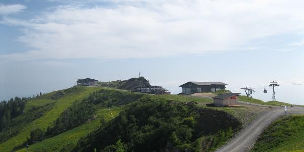 Auf dem Rücken Madritschen - Tressdorfer Höhe, für den Skizirkus umgewandelt