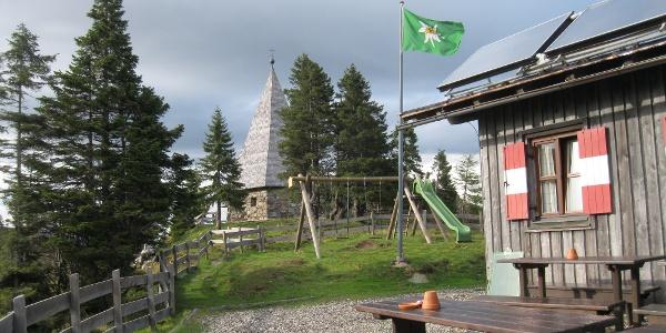 Zollnerseehütte und Friedenskapelle