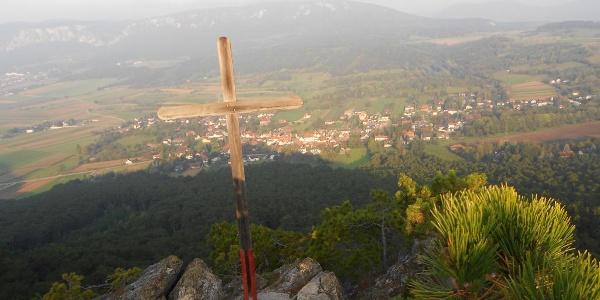 Muthmannsdorf vom Gipfelkreuz
