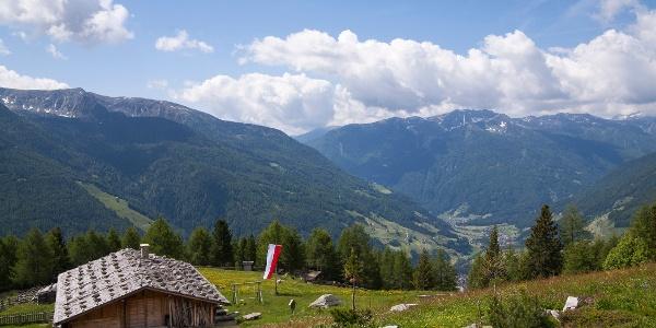 Blick von den Holzerböden ins Ahrntal - Vista dal Holzerböden in Valle Aurina