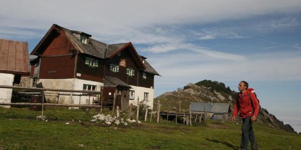 Die (unbewirtete) Klausen Hütte