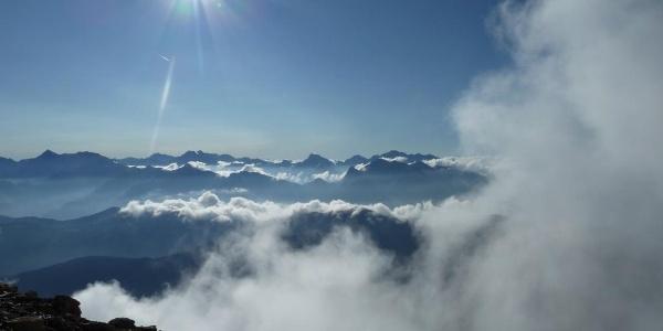 Am hinteren Ende des Gipfel mit Blick nach Südosten (Tuxer Alpen)
