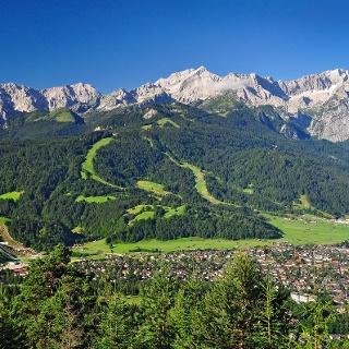 Sommerpanorama in Garmisch-Partenkirchen