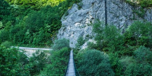 Suspension bridge on Neretva