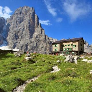 Rifugio Maria e Alberto ai Brentei, Dolomiti di Brenta