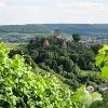 Burg Hohenbeilstein bei Beilstein. Im Hintergrund Burg Lichtenberg.