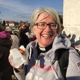 Kyrkoherde Karin vid Fru Alstads kyrka