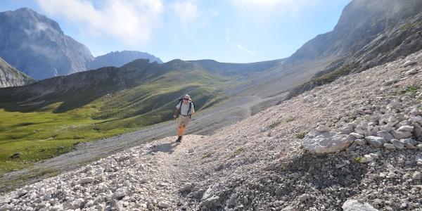 Von da an gehts bergab - ein herrlicher Ausblick oberhalb des Gaißtales