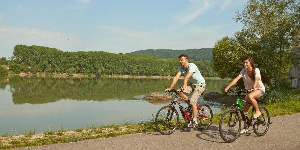 Radfahren am Donauradweg im Nibelungengau