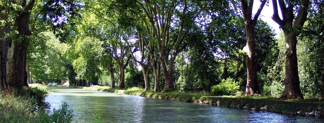 Der Fluss Doubs in der Region Franche-Comté