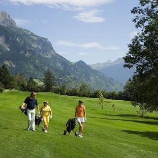 Golfen in der Klostertaler Bergwelt