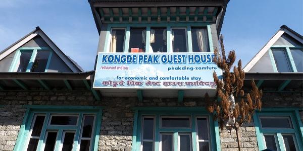 Kongde Guest House ~2700m