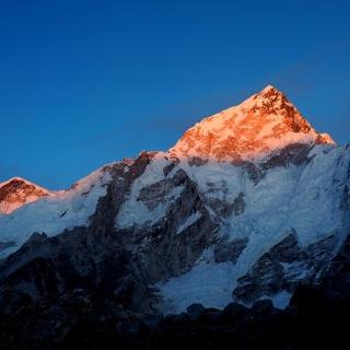 Sonnenunteregang Everest und Nuptse von Gorak Shep 5140m
