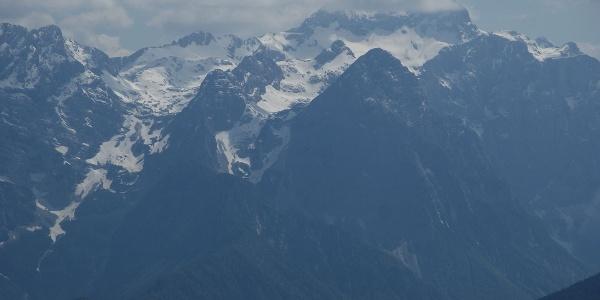 Der noch winterliche Triglav, höchster Berg Sloweniens